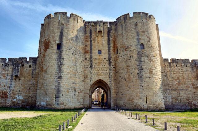 Brána opevnění Aigues Mortes, Francie
