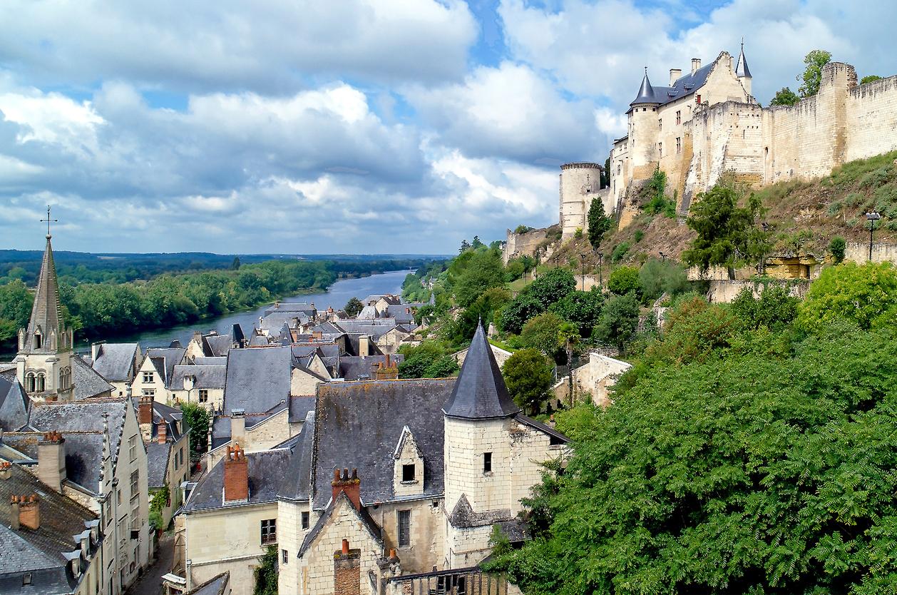 Chinon s opevněním a hradem, Francie