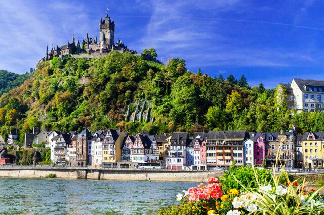 Cochem s hradem Reichsburg, Německo