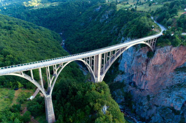 Durdjevičův most, řeka Tara, Černá Hora