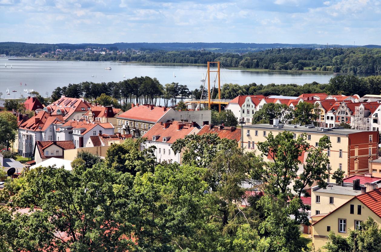 Gizycko a jezero Niegocin, Mazury, Polsko