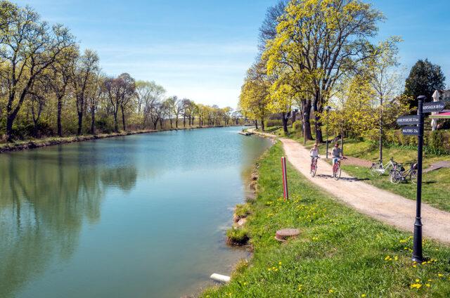 Na kole podél Gota kanálu, Švédsko