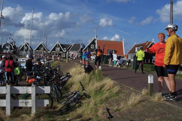 Domky v přístavu Marken, Holandsko