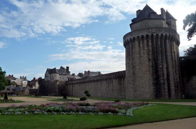 Hradby a opevnění Vannes, Francie