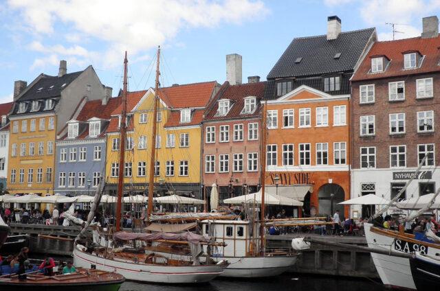 Barevný přístav Nyhavn, Kodaň, Dánsko