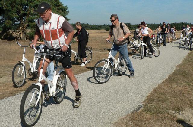 Na místních kolech, N.P. Hoge Veluwe, Holandsko