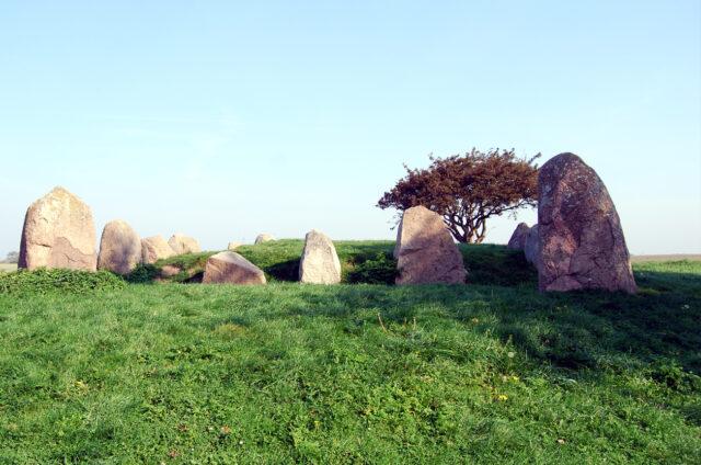 Neolitické dolmeny, mys Arkona, Rujána, Německo