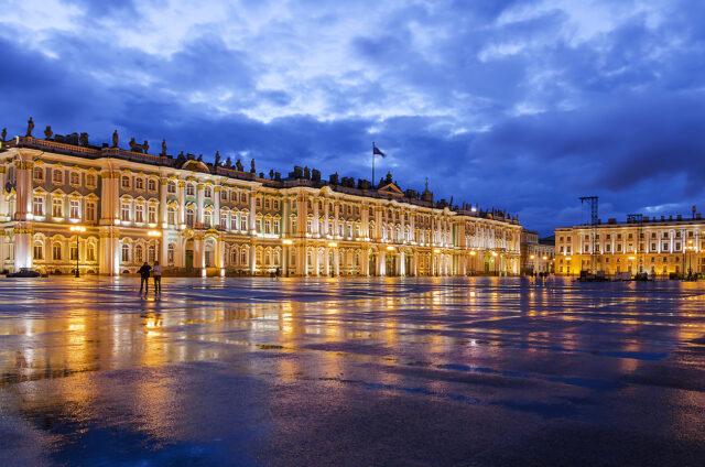Bílé noci, Palácové náměstí, Petrohrad, Rusko