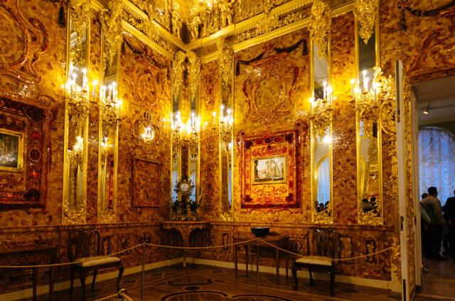 Jantarová komnata, Kateřinský palác, Petrohrad