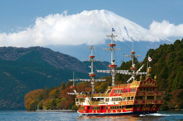 Jezero Ašinoko s Fudži v pozadí, Japonsko