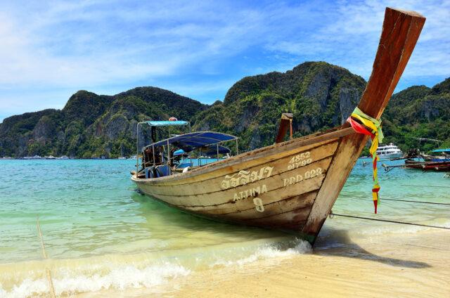 Krasové Skály u moře, ostrov Phuket, Thajsko
