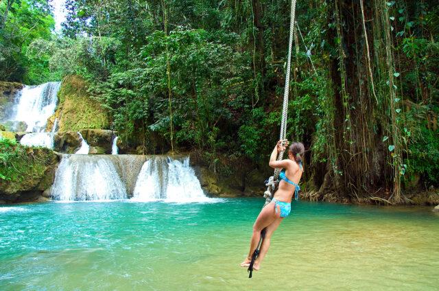 Lanovka nad vodopádem Negril, Jamajka