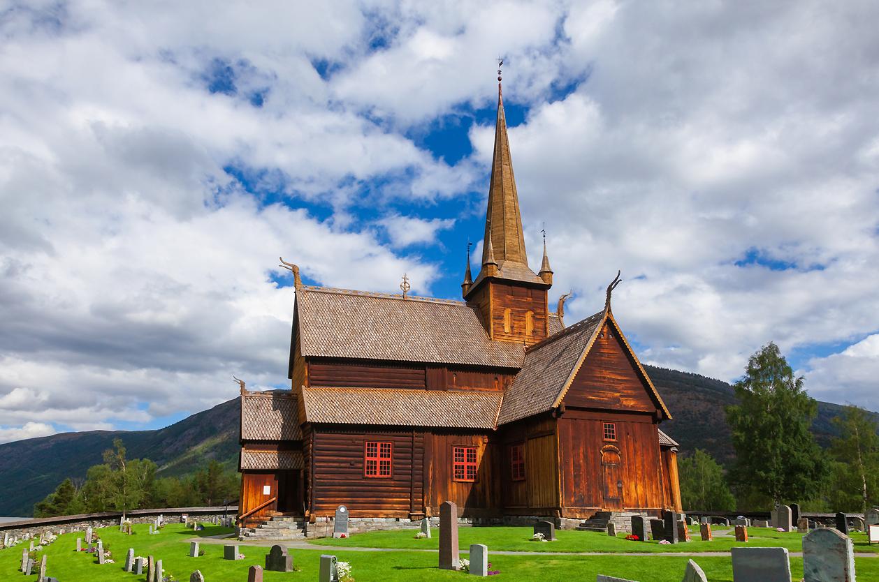 Lom dřevěný kostelík