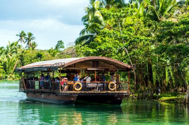 Plavba po řece Loboc, Bohol, Filipíny