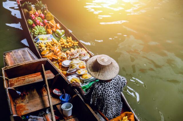 Plovoucí trh Dammoen Saduak, Bangkok, Thajsko