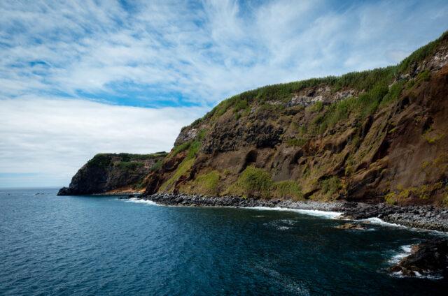 Pobřeží na ostrově Sao Jorge, Azory