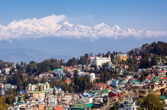 Pohled na Kančendžengu z Dárdžilingu, Indie