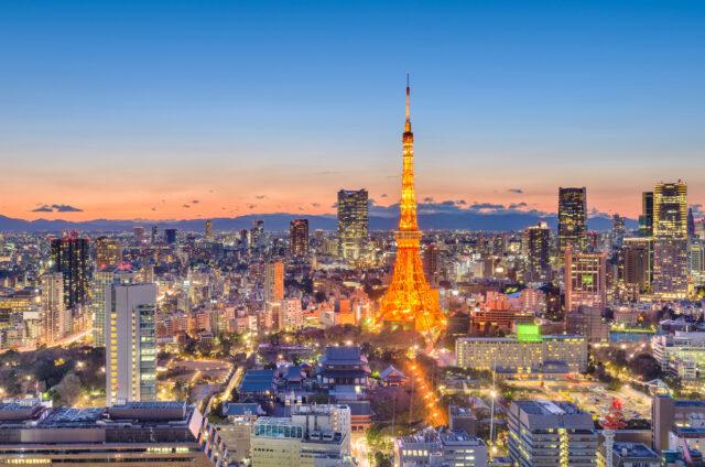 Pohled na večerní Tokio, Japonsko