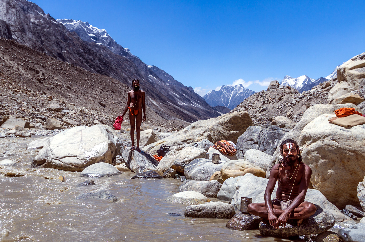 Sádhuové v Himalájích, Indie