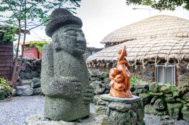 Sochy Hareubang, symbol Čedžu, Korea