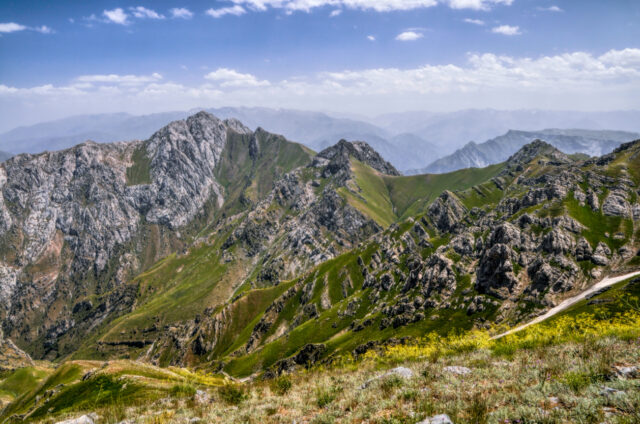 Vrcholky hor pohoří Ťan Šan, Uzbekistán