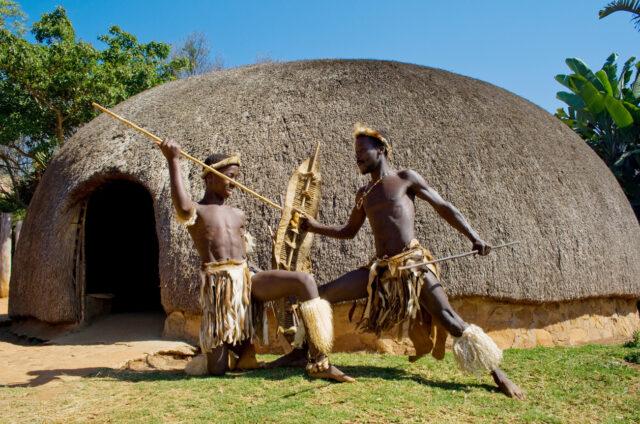 Zulští válečníci, tradiční obydlí, Shakaland, JAR