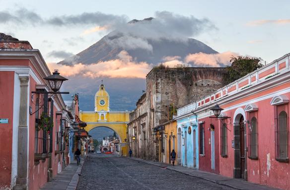 Španělská koloniální architektura a Antigua, Guatemala