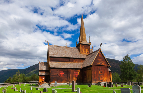 Lom - dřevěný kostelík