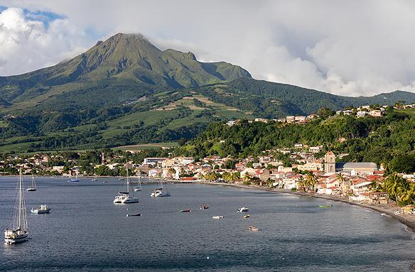 Sant Pierre, sopka Mount Pelée, Martinik