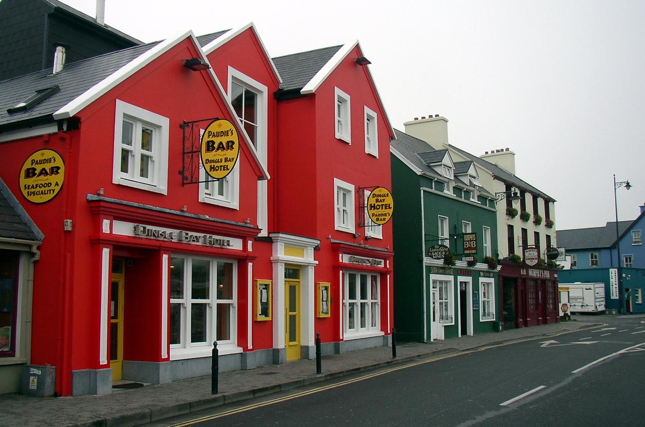 Barevné domky, poloostrov Dingle, Irsko