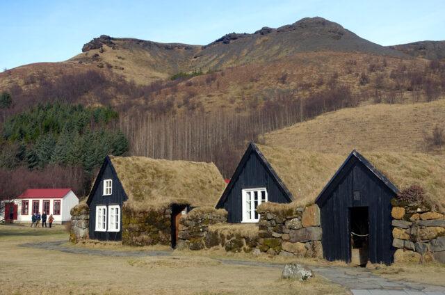 Domky pod trávou, Skógar, Island