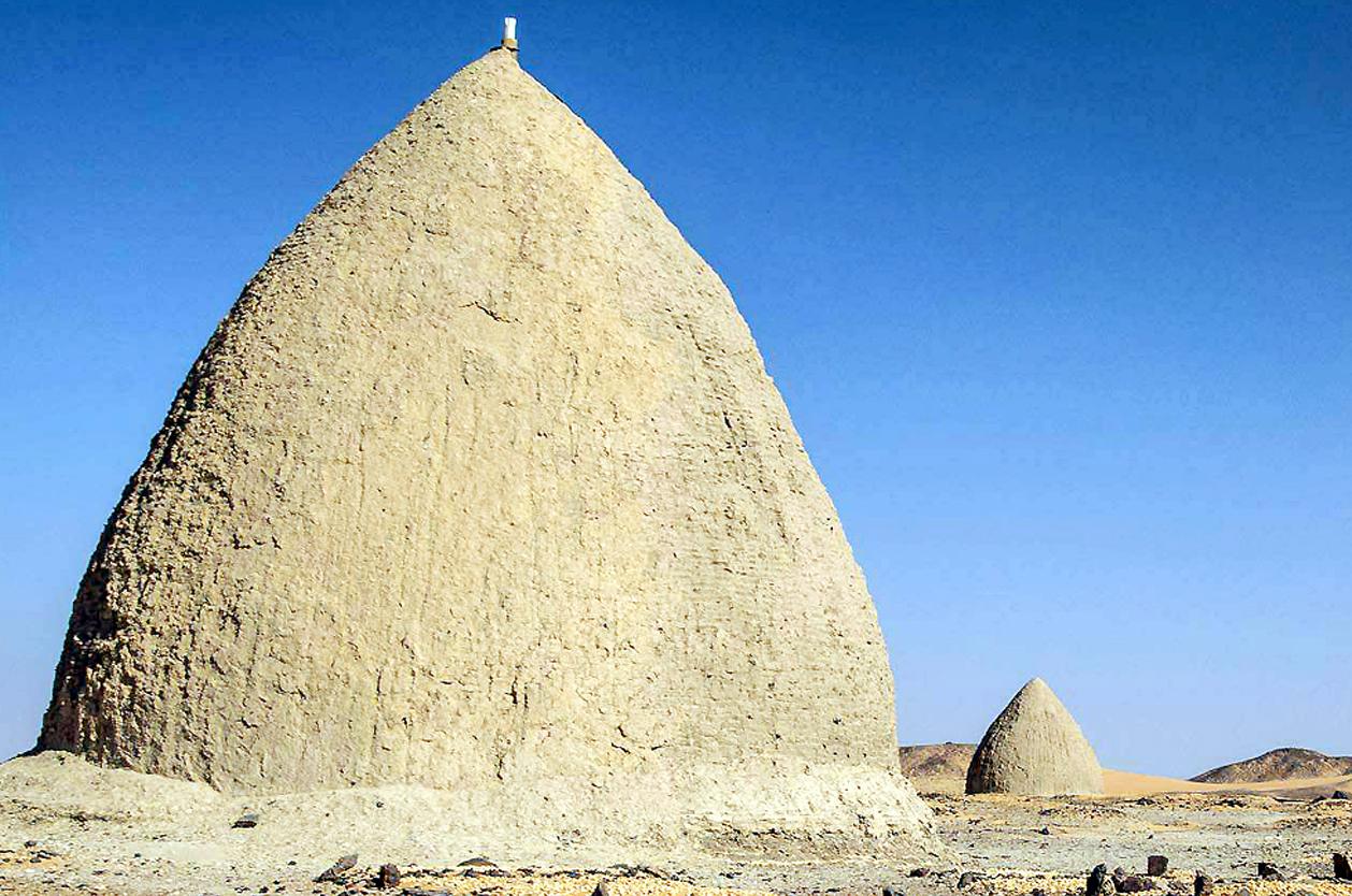 Hliněné hroby, Dongola, Súdán