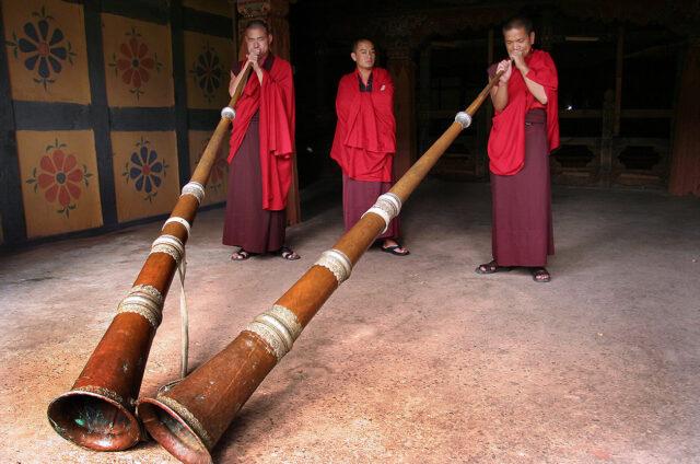 Hra mnichů, Paro, Bhútán