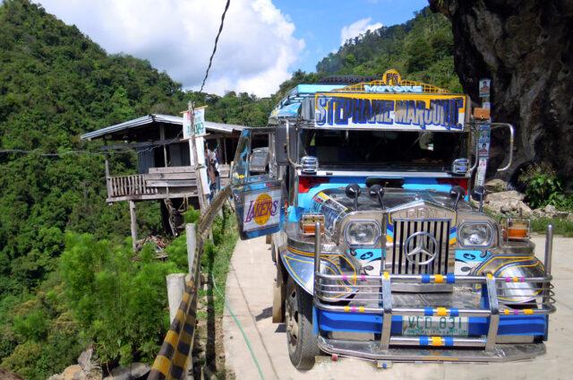 Jízda po Zig Zag Road, Centrální Kordillery, Filipíny