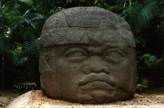 Kamenné hlavy Olméků, Mexiko