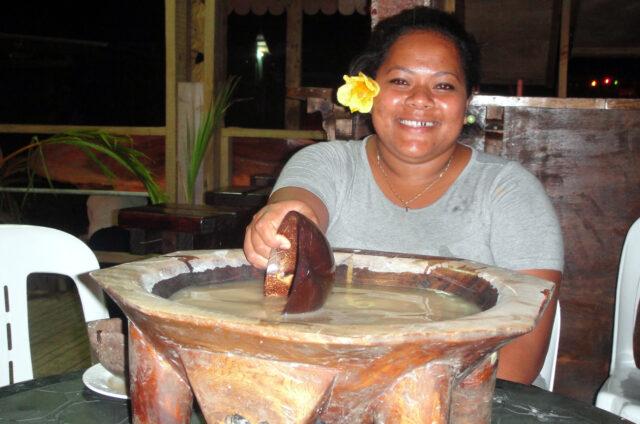 Kava ceremony, Pláž lásky, Tongatapu, Tonga