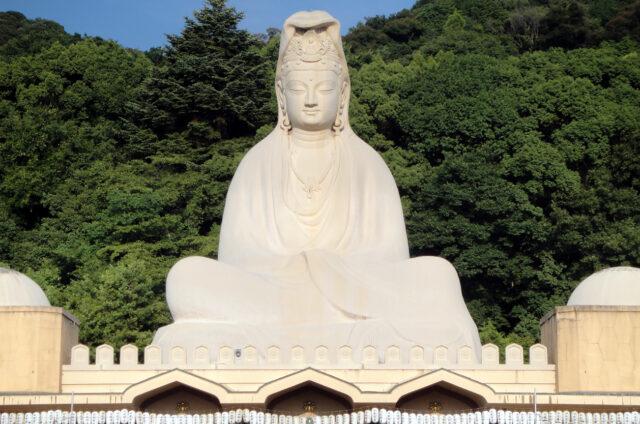 Kjóto, obří socha bohyně Kannon, Japonsko