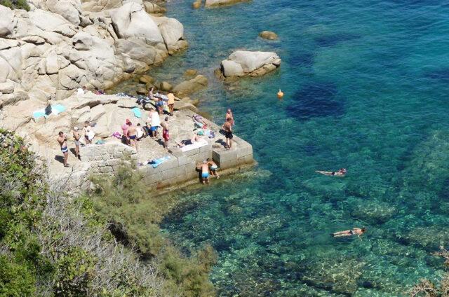 Průzračná voda, Capo Testa, Sardinie