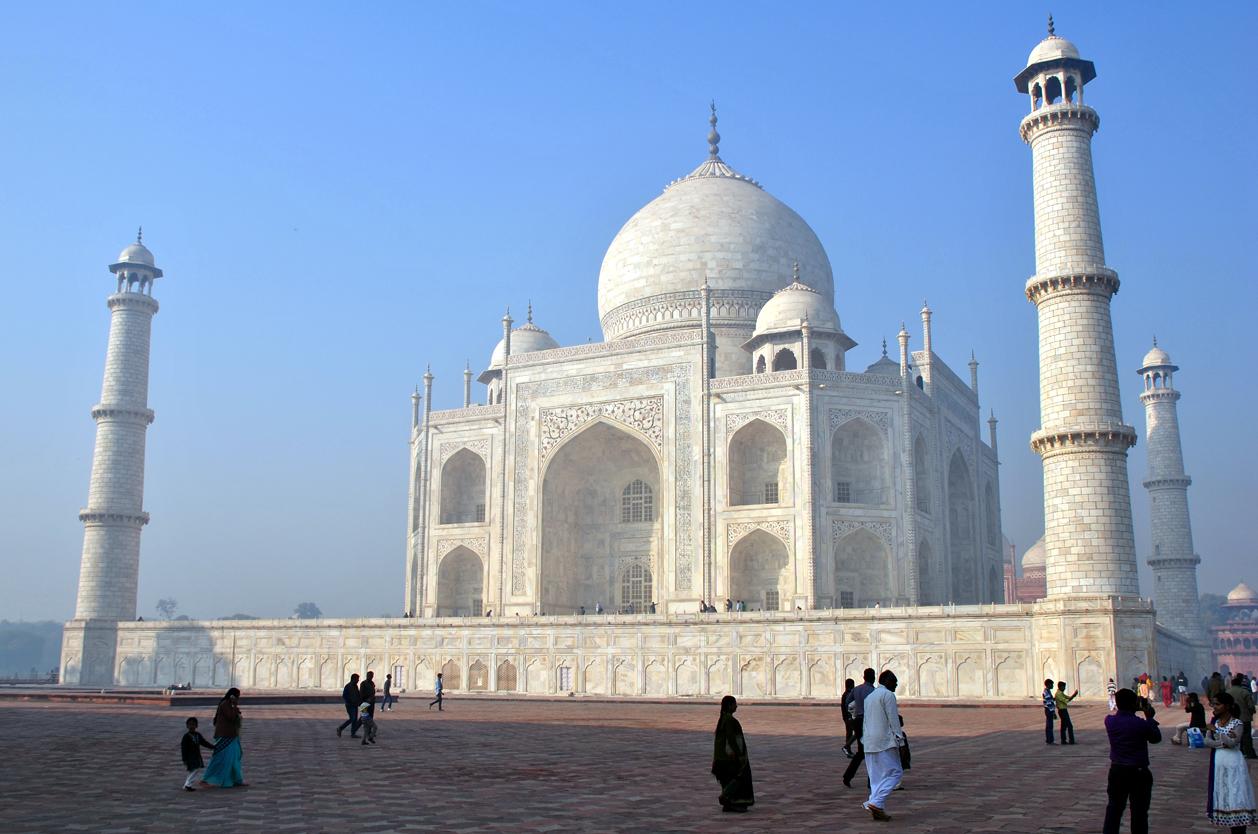 Slavné mauzoleum Tadž Mahal, Agra, Indie