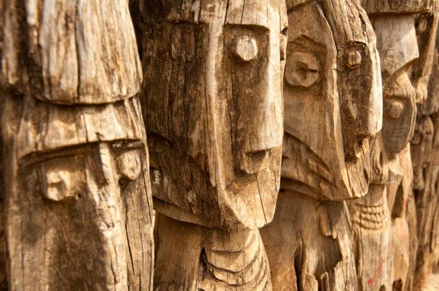 Tajemné sochy předků, kmen Konso, Etiopie