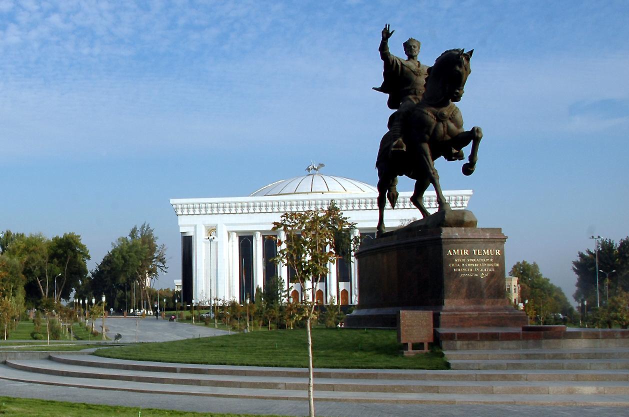 Timurova socha, Taškent, Uzbekistán