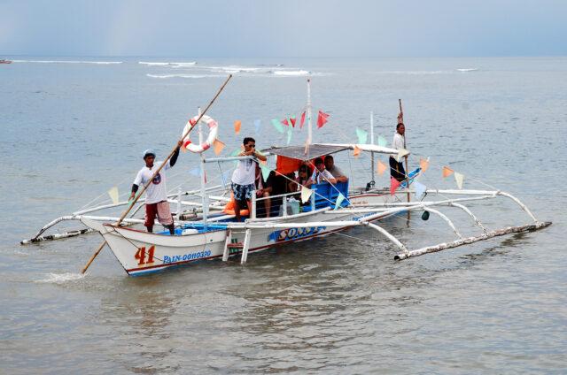 Tradiční dvouvahadlová loď, Boracay, Filipíny