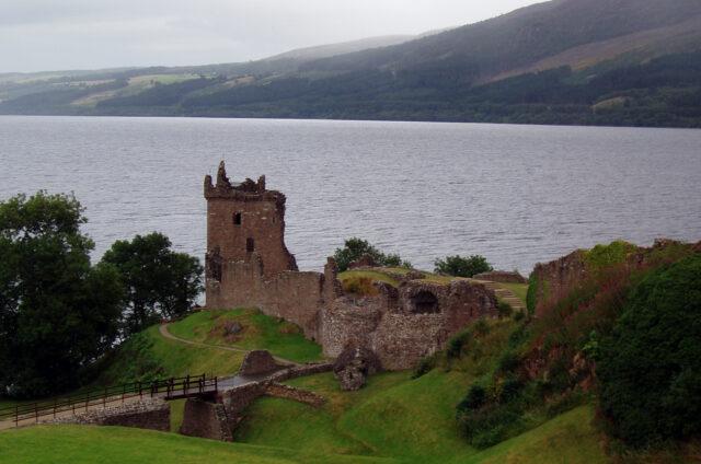 Urquhart Castle, Loch Ness, Skotsko