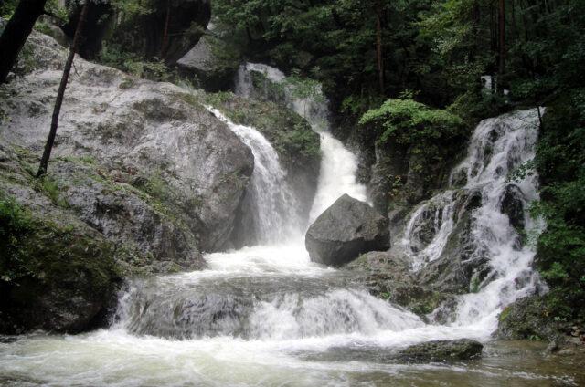 Vodopády Manpok, KLDR