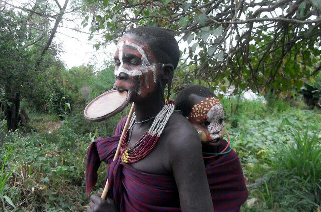 Zdobení kmene Mursi, Etiopie