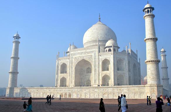 Slavné mauzoleum Tadž Mahal, Indie