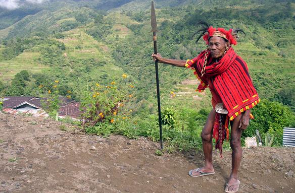 Válečník kmene Ifugao, Luzon, Filipíny
