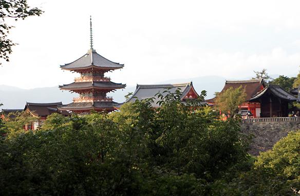 Chrám Kyiomizudera, Kjóto, Japonsko