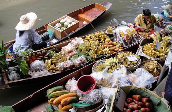 Plovoucí trh Damnoen Saduak, Thajsko