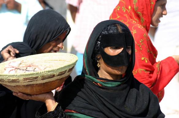Od beduínských masek k módě, Omán
